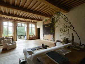 elegant-home-decor-rustic-roby-baldan-interiors-axel-Vervoordt